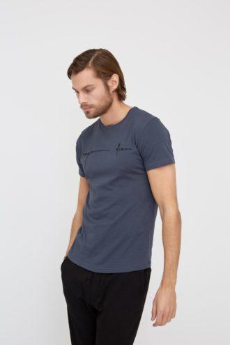 Мужская футболка с фактурным принтом 1-315100